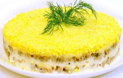 Рецепт салата Мимоза с консервой